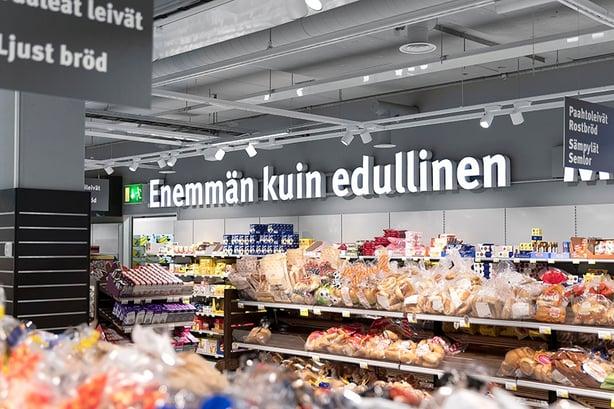 Suomen suurin S-market uudistui – myymäläuudistus toi mukanaan LED-valomainokset ja -opasteet