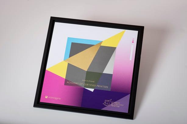 Granolle harvinainen tunnustus maailman johtavalta designpaperivalmistajalta